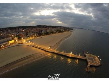 DRONE - Tourisme & voyages : Hôtellerie - restauration - Destinations touristiques - Office de tourisme - Hébergements de vacances (gîtes, campings, hôtel, centre de vacances...